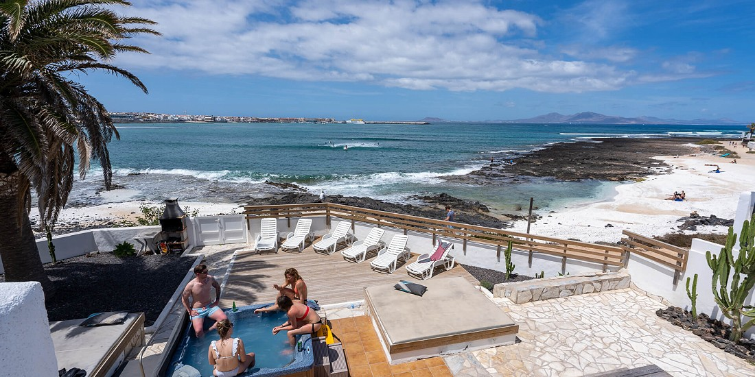 Wave Rider Surf Camp Hot Tub - Fuerteventura